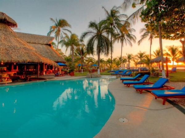 Bahía Del Sol Beach Resort