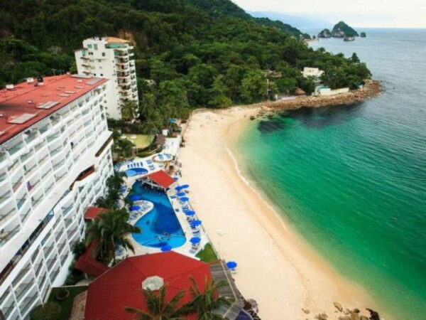 Beachfront Hotels in Puerto Vallarta