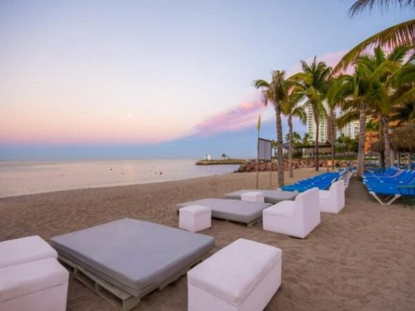 best hotels in puerto vallarta on the beach