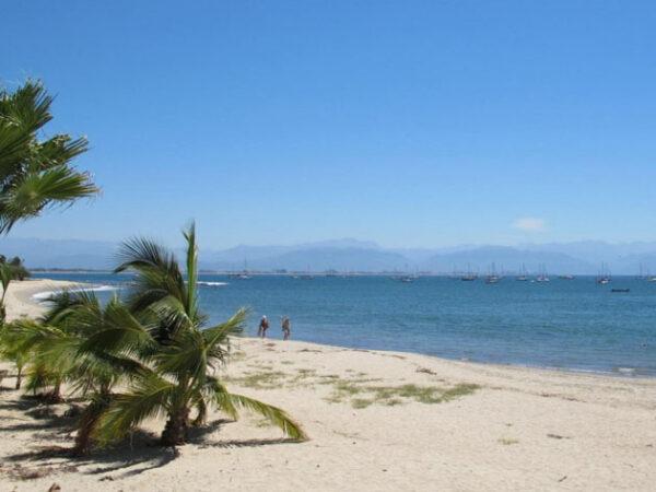 La Cruz de Huanacaxtle Beach