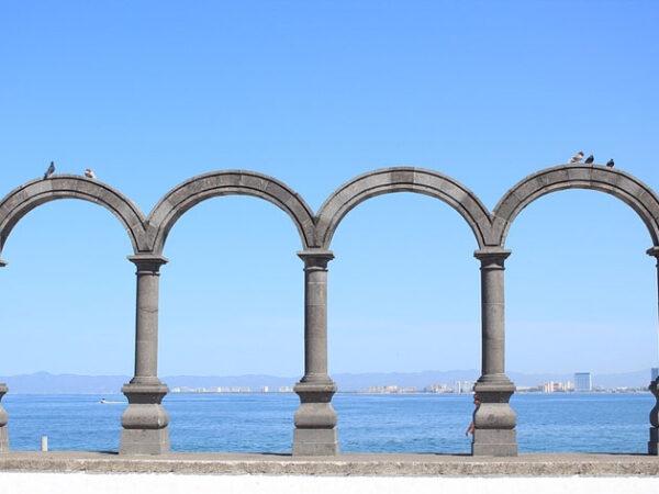 Los Arcos And El Malecón 1