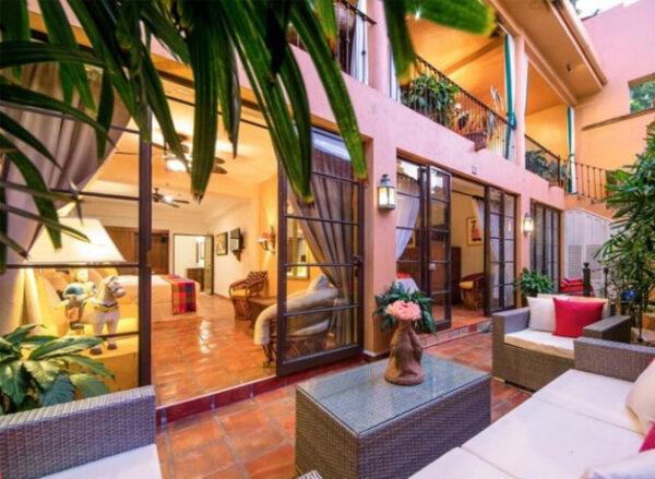 Best Area to Stay in Puerto Vallarta