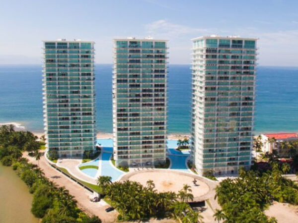 Peninsula Towers Puerto Vallarta