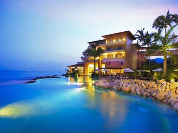 Luxury Resorts in Puerto Vallarta